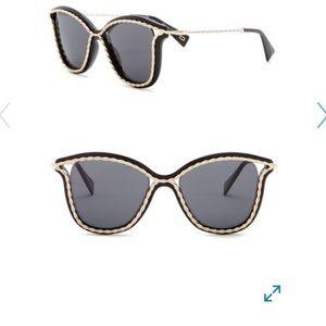 Marc Jacobs Twist Sunglasses NWOT never worn